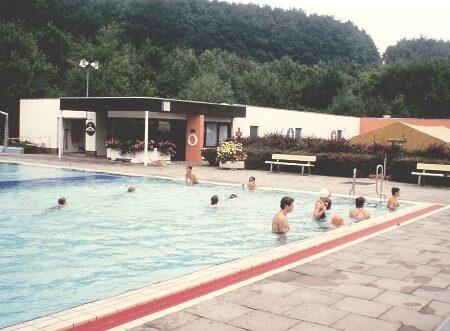 1542-unsen-1987