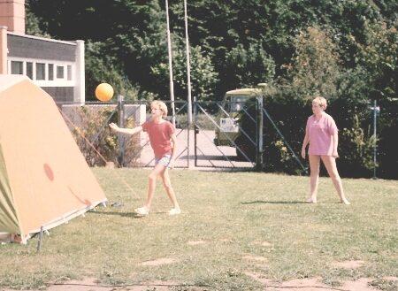 1558-unsen-1986