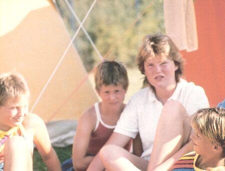 1564-unsen-1986