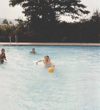 1594-unsen-1983